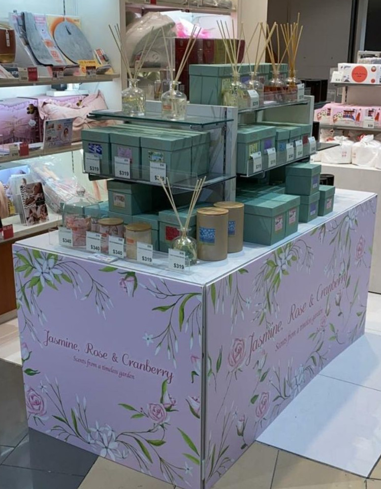 Carroll&Chan department store display